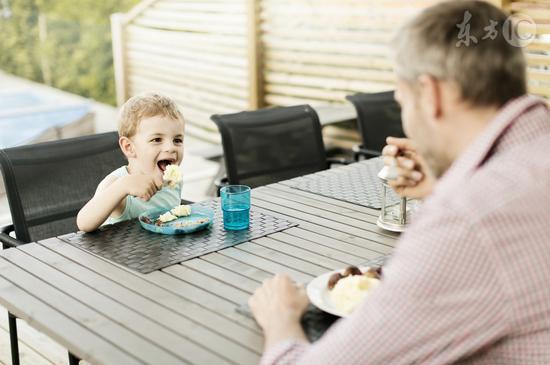 细嚼慢咽竟能减肥|细嚼慢咽