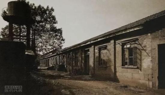 扬子江1971年刚成立时的厂房