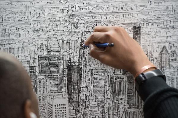 英国患自闭症天才画家凭45分钟记忆画出纽约