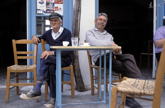 长寿村三分之一人口超90岁 有何秘诀?