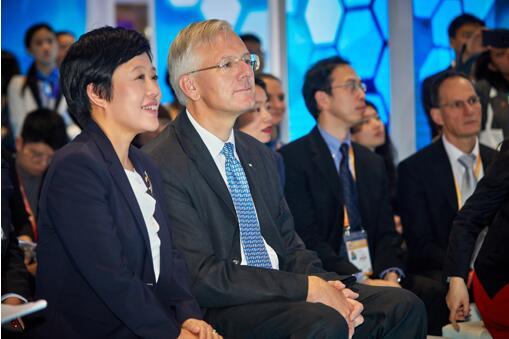 罗氏亮相首届进博会,个体化医疗推动健康创新升级