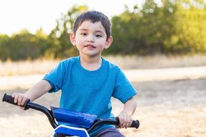3岁男孩对邻居叫爸 尴尬背后是疾病的残酷真相