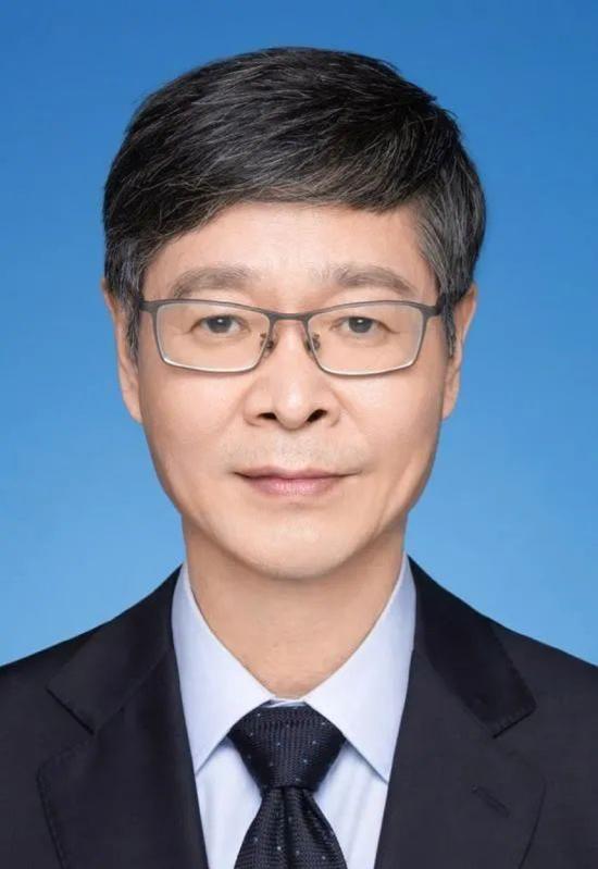 章明  原上海市醫藥集中招標采購事務管理所所長、國家組織藥品聯合采購辦公室專家組組長