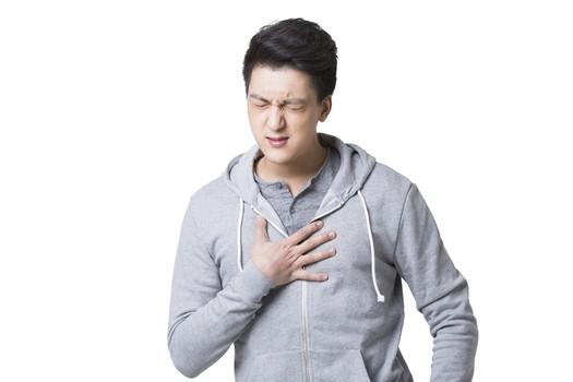 警惕反复胸痛会丢命