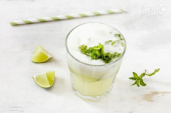 这个时间喝柠檬水效果最好