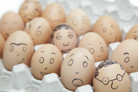 挑鸡蛋时摇一摇