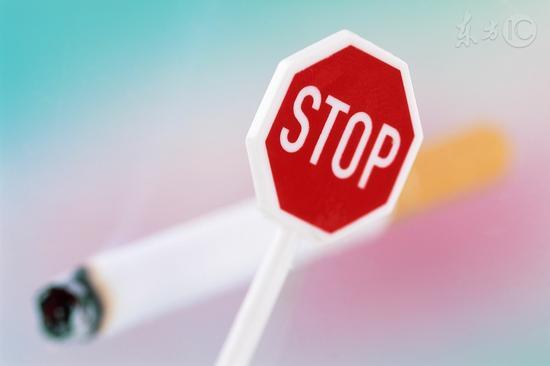 除了虐肺,吸烟还会狠狠虐你的胃