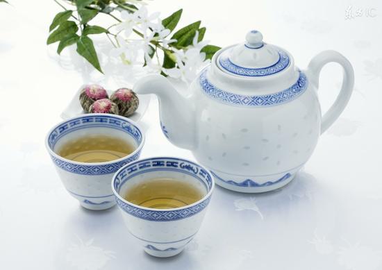 三类人一定要少喝茶