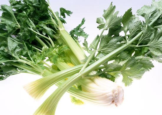 吃芹菜真能降血压吗