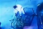 小偷仅用4秒撬软锁 夜市开工偷山地自行车