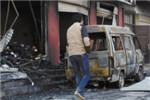 邯郸临街店铺爆炸3人伤 店被烧没店外车辆成铁架