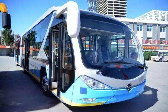17辆双源无轨电车抵达保定 近期将投放使用