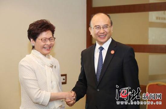 4月9日,省长许勤会见了香港特别行政区行政长官林郑月娥。 记者孟宇光摄