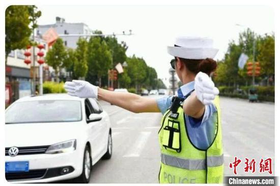 图为河北交警路面执勤(资料图)河北省交管局供图