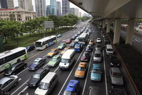 新能源汽车补贴新政实施