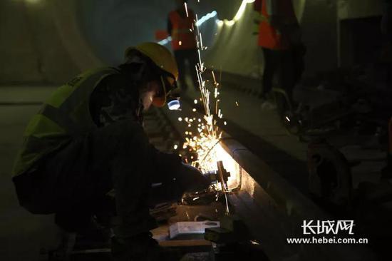 石家庄地铁1号线二期工程施工现场。石家庄轨道交通有限责任公司供图