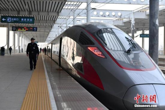 资料图:高铁。中新社记者翟羽佳摄