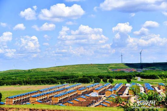 远望张北县空心村联村并建安置点。