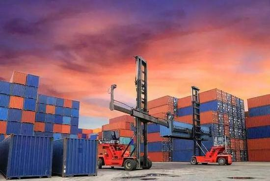 5月30日召开的国务院常务会议决定较大范围下调日用消费品进口关税。