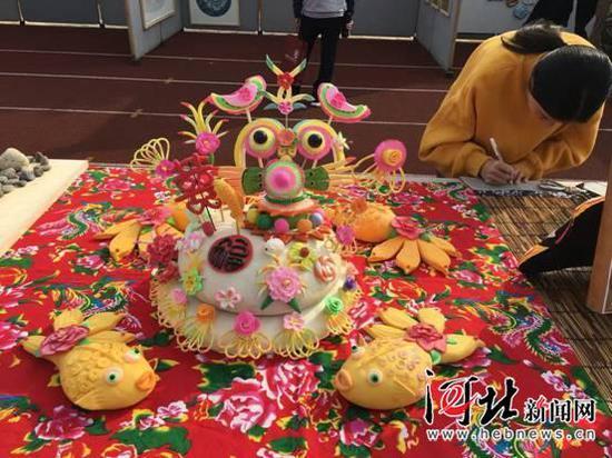10月20至21日,第四届京津冀学前教育类高校毕业生专场招聘会在石家庄幼儿师范高等专科学校举行。图为招聘会现场。 记者马利摄
