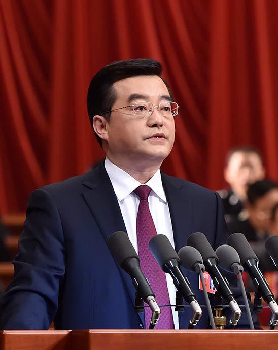 张庆伟作政府工作报告。河北日报记者 赵 威 孟宇光摄