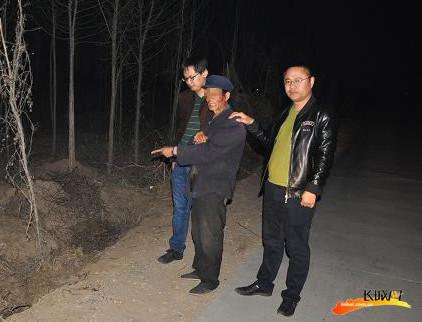 犯罪嫌疑人刘某指认现场。 胡玉生 供图