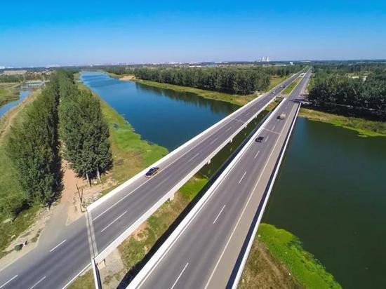 京台高速公路廊坊段东安庄连接线龙河桥(肖晨光)