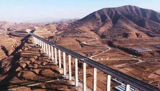 太行山高速公路建成通车后,