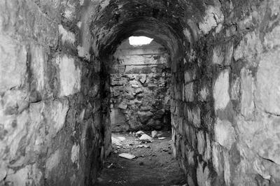 碉堡之间的通道