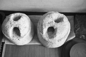 古代的一种衡器石权。