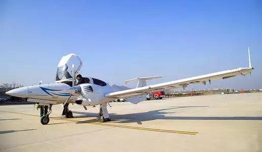 支持支线机场增设通用航空设施