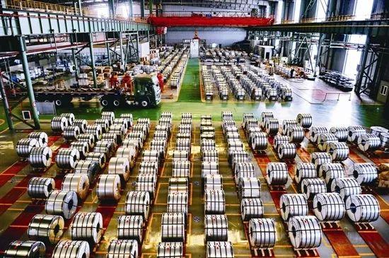 曹妃甸装备制造园区的华电重工露天作业场