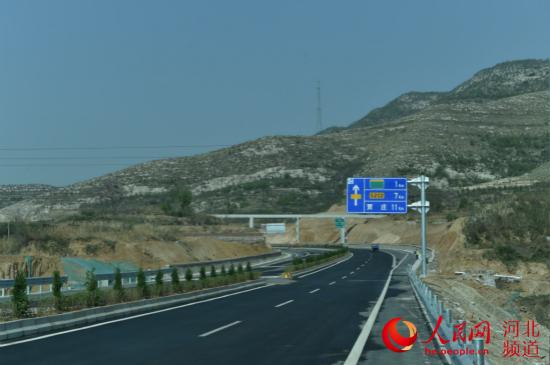 平赞高速公路。 曹江浩摄