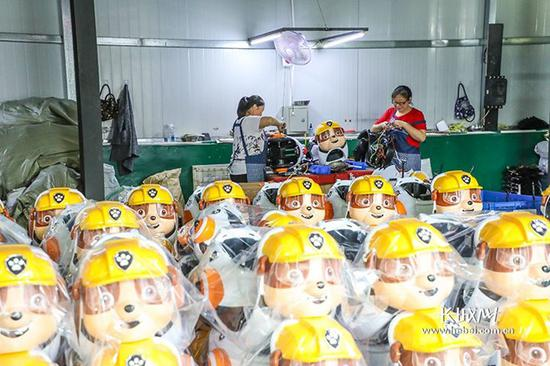 鑫鼎童车工厂。长城新媒体记者 李皓 摄