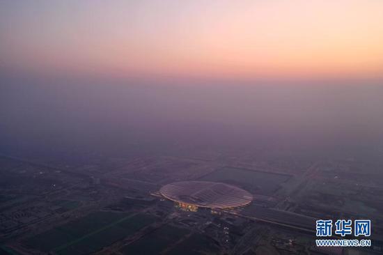 12月26日拍摄的京雄城际铁路雄安站(无人机照片)。新华社记者 邢广利 摄
