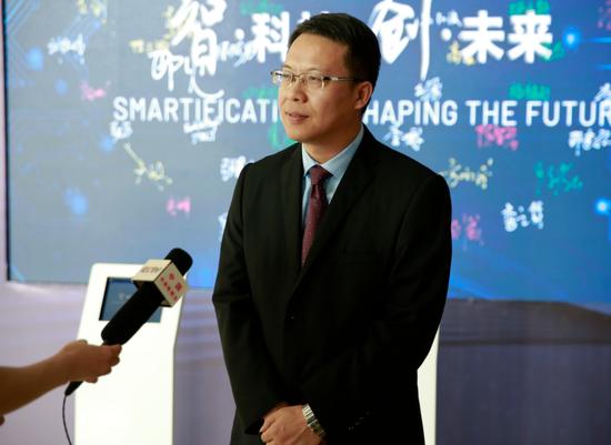 CCTV记者采访领创激光董事长陈智宏