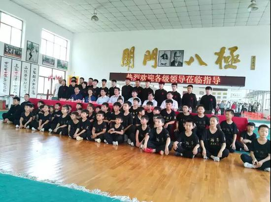 史宝强一行参观孟村县八极拳新阶层实践创新基地