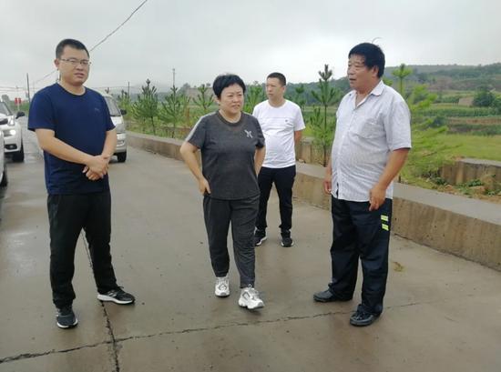 市委常委、宣传部长曹素芝到冶陶镇督导防汛工作