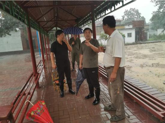 市人大常委会党组副书记、副主任贾延明到矿山镇对防汛工作进行督导