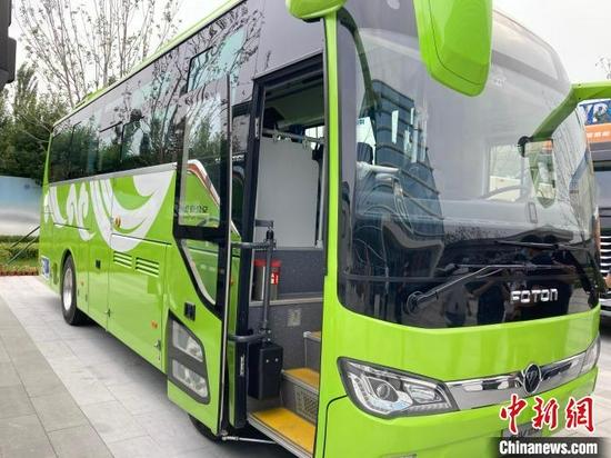北京大兴国际氢能示范区内的福田欧辉氢燃料客车。 徐婧 摄