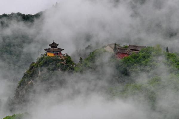 """""""道源圣地""""崆峒山烟雨蒙蒙"""