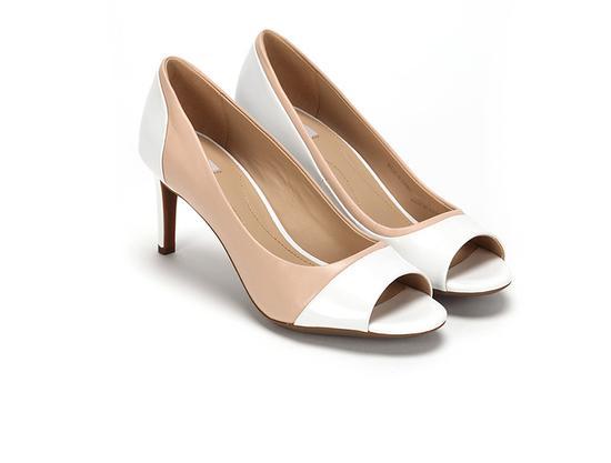 裸色白色拼接露趾凉鞋