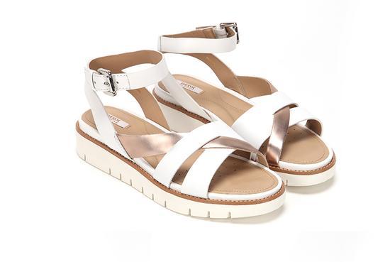 白x玫瑰金平底凉鞋