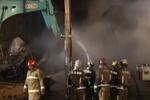 北京丰台区一五金市场起火 75辆消防车出动