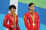吴敏霞施廷懋双人三米板夺冠 表现完美