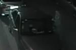 小偷单凭手肘砸碎车窗 半夜作案专偷车内财物