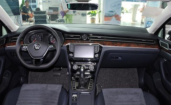 大众迈腾最高优惠4.08万元 现车销售