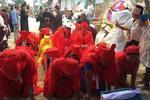 邢台113岁老人出殡 4代人穿红孝衣5代人穿黄孝衣