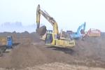 保定男童掉落40米深枯井 近20台挖掘机救援