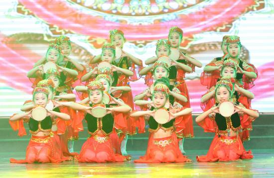 新疆舞《鼓起幸福鼓》